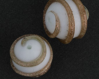 Vintage Venetian lampwork White with Aventurine rounds, 13-15mm, sold individually. b1-606(e)
