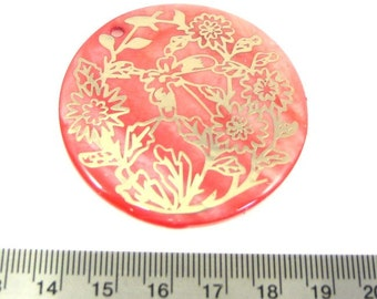 Pink Natural Shell with Gold Graphic 50mm Round Pendant, 1054-05