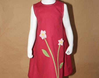Spring - Girl pink dress, 2 flowers in relief, suitably :-)