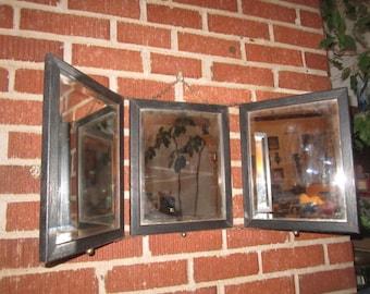 Antique Edwardian Oak Framed 3-Way Sitting or Hanging Folding Beveled Vanity Mirror