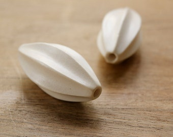WW79, Oval seed shape white wood bead, white wood bead, natural wood bead, designer bead, quality bead, white wood oval seed shape bead