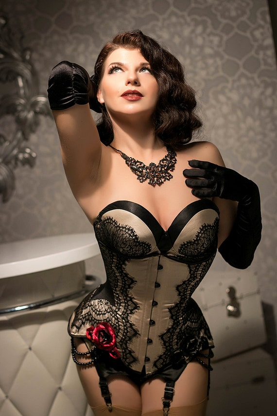 lingerie burlesque