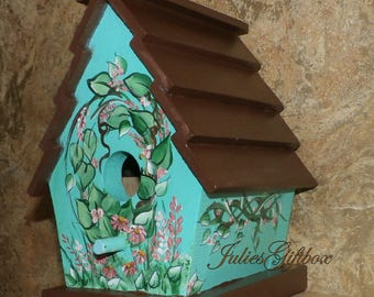 "Hand Crafted Birdhouse, Great Gift for Mothers Day, Christmas, Birthday Bird House - 7.5""H x 5.25""W - Made In The USA - Ready To Ship"