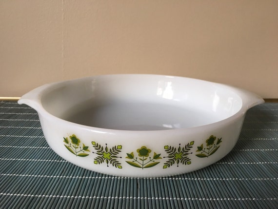 60s Green Meadow Cake Pan Vintage Fire King ovenware pie dish plate anchor hocking white milk glass bakeware mod pattern 429 from SpaceModyssey on Etsy ... & 60s Green Meadow Cake Pan Vintage Fire King ovenware pie dish plate ...