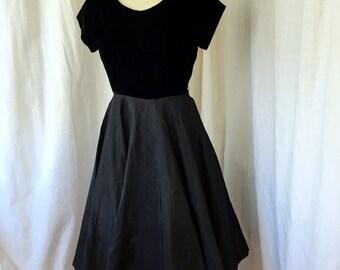 1950's Evening Dress / Georgia Wells / M /Black Party Dress/ Velvet Bodice, Circle Skirt, pintuck details, 1950's cocktail glam