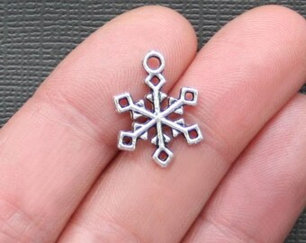 10 Snowflake Charms Antique  Silver Tone - SC527