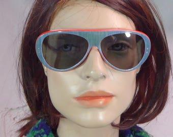 vintage sunglasses unisex. Blue denim and Red print. Aviator style. 1960/1970. . France-Rok .funky.