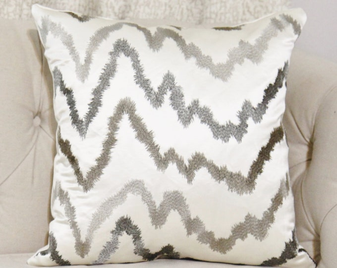 Donghia Pillow - Off White & Gray Geometric Pillow Cover -Hollywood Regency Pillow - Graphic Throw Pillow - Rubelli Hollywood Wilshire White