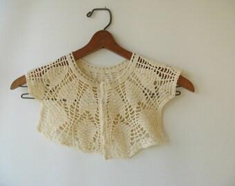 Vintage Crocheted Collar, cream, handmade, accessory