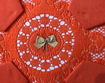 Stunning vintage orange tablecloth and 4 napkins