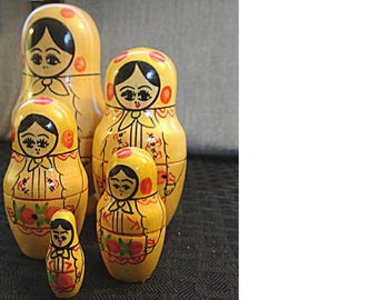 Vintage set of Russian Stacking Dolls, Nesting Dolls, Matryoshka Dolls, Matrioska, Babushka Dolls (1616)