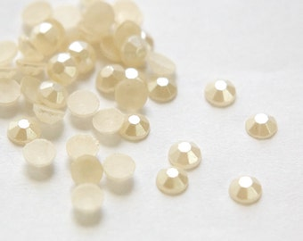 Vintage Ivory Pearl Faceted Glass Cabochons 5mm cab481A