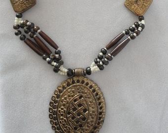Mini Fossil Beads Copper Filigree Oval Pendant Necklace****.