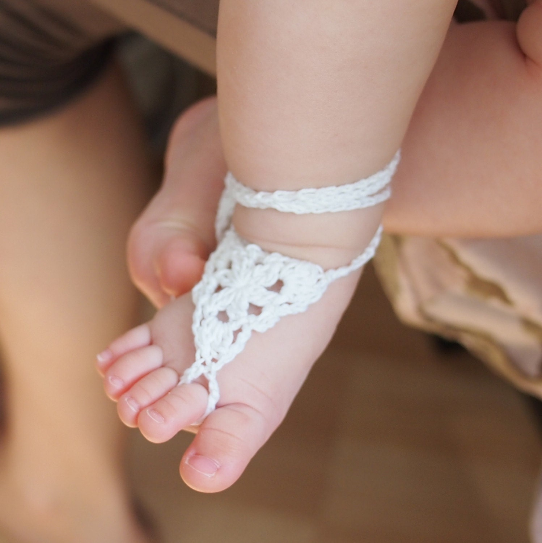 Crochet pattern Barefoot sandals baby spring summer wedding