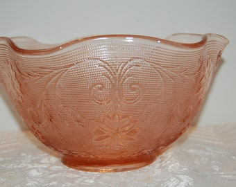 Vintage Glass Bowl, Pink/Peach Sandwich Glass, Pressed Glass Bowl, Serving Bowl, Tiara Exclusive, Indiana Glass