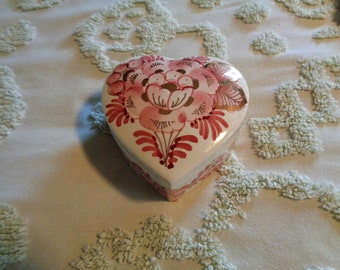 Vintage Delft Holland USA Pink Floral Trinket Box, Hand Painted, Gold Gilt, Heart Shaped Trinket Box, Shabby Romantic Cottage, Artist Signed