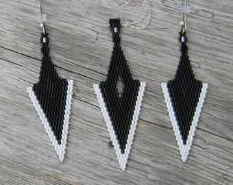 Black and White Arrowhead Seed Bead Set