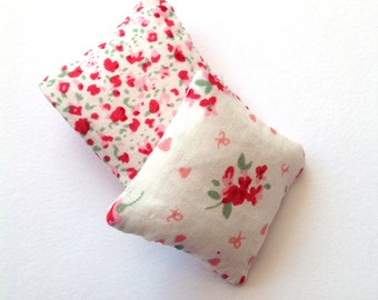 Dollhouse miniature cushions, Romantic floral mini pillows 1:12 scale, set of two throw pillows, pink and red flowers ma15