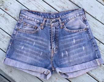 Levis shorts festival wear 517 zip fly size 29 waist high waisted