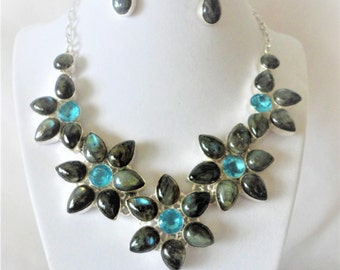 A Lovely Flower Shaped 500 Carats Blue Topaz Labradorite Necklace Set****.