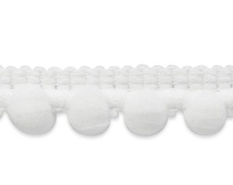 Pea Pod Pom trim in White