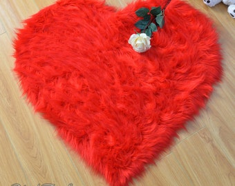 """Special 30 OFF Valentine Promo 5' or 60"""" Diameter Heart Shape Rug Faux Fur Area Rug Gift for your love one Home Decor"""