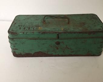 Vintage Green Toolbox Tacklebox FREE SHIP