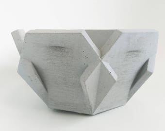 This is Jane, a beautiful small light grey concrete bowl