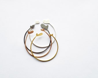 Set of 4 simple stacking heart bangles with different plating, minimal chic jewelry