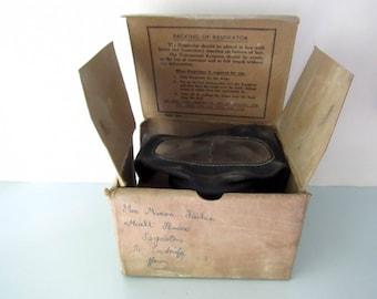 Gas mask, Respirator, WW2 Gas mask, Boxed gas mask, British civilian issue gas mask, Historic memorabilia, second world war memorabilia.