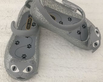 Girl Shoes with Cat Design / Cute Cat Girl Sandals