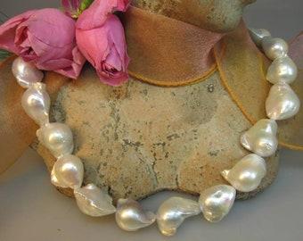 B-ware: Baroque freshwater pearl strand/13-16 mm bargain