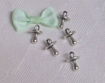 5 small pendendifs nipples, lollipop charm