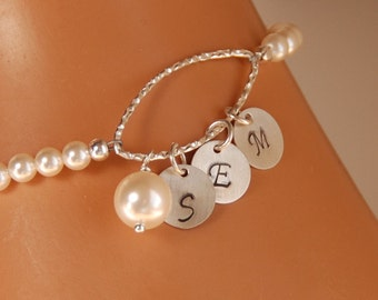 Pearl Initial Bracelet, Personalized Bracelet, Mother of Bride Gift, Mother of Groom Gift, Mother Day Gift, Sterling Silver Initial Bracelet