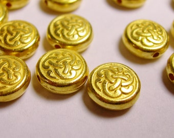 Gold color beads hypoallergenic- 40 pcs - round celtic engraved gold beads - Naz 26