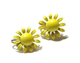 Coro Yellow Enamel Daisy Button Earrings Flower Power Dainty Clip Back Mid Century Summer