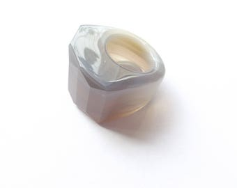 Ring carved agate gray natural THAL-219