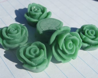 10 ROSE BUD Cabochons - 20mm - Jade Green Color