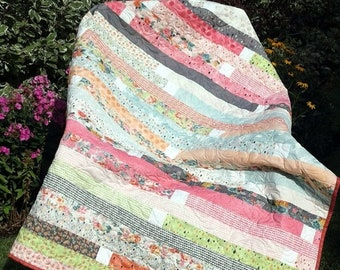 ETSY BIRTHDAY SALE Pink Patchwork Quilt, Handmade Patchwork Quilt, Pink Quilt, Quilts for Sale, Patchwork Quilt, Free Shipping, Quilted Blan