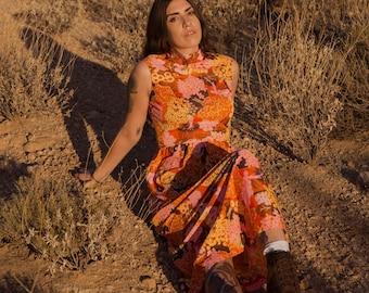 Flower Power | Vintage 1960s 1970s Mock Turtleneck Maxi Dress | S M