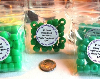25 Glossy Plastic Pony Beads Choice of Three Greens
