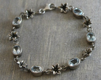 Blue Topaz Flower Bracelet  -Silver Bracelet - Nature Jewelry - Vintage Jewelry - Silver Jewellery - Gifts for Her- Birthday Gift