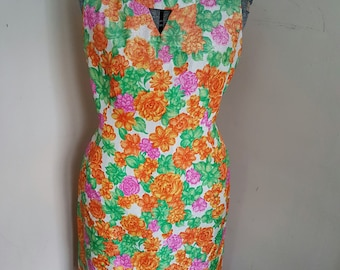 1950's Floral Pin Up Wiggle Dress VLV Plus Size Glitter Floral Pattern Keyhole Neckline