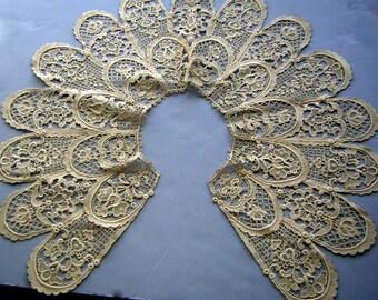 "Antique Lace Collar Victorian Raised Texture Fine Hand Work 8 1/2"" Deep Scallops - ESTATE Piece"