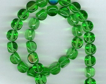CLEARANCE 8mm x 8mm Grass Green Stubby Triangle Glass Beads 9mm Bead Triangles