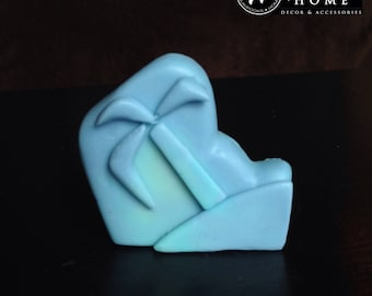 Tropical Scented Palm Tree Shaped Goats Milk Travel Size Soap -- Blue and Green