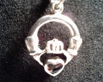 Sterling Silver Irish claddagh with onxy heart (13)