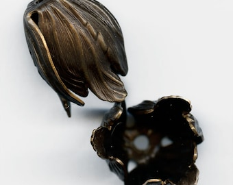 Oxidized brass petal bead cap 22mm sold individually. b9-2024(e)