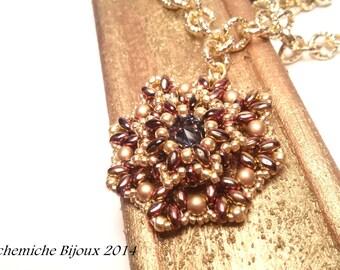 Ciondolo Lucrezia con Superduo, perle e rivoli   Schema di perline per ciondolo in stile antico   Come fare un ciondolo con perline