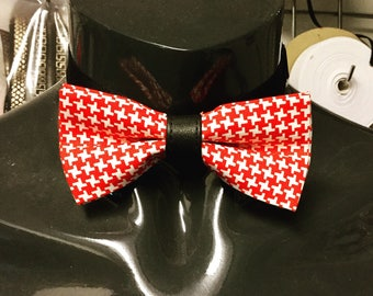 Red & White Houndstooth Bow Tie